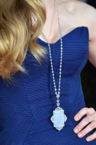Amanda-Seyfried-SAG-Awards-Necklace close