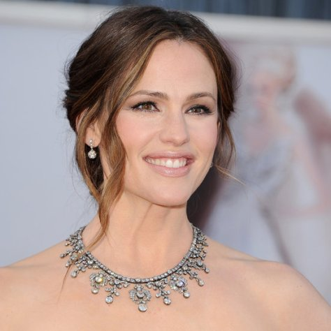 "The Krombholz Jewelers ""WOW award"" goes to Jennifer Garner. Her darkened platinum Neil Lane Jewels are reported to be valued at 2.5 million. I am glad she had so many years of self defense training in the TV show Alias!!"