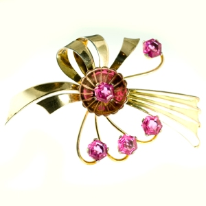 1940's Harry Iskin golf filled bow brooch